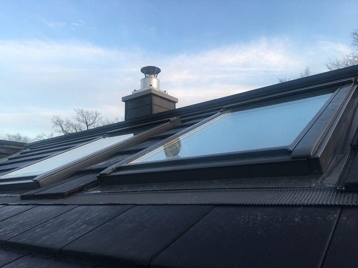 Dachfenster in der Abendsonne!  . Nach diesem superleckeren Frühstück und meiner kleinen Eppendorf-Tour - lobt mich ich habe NICHTS gekauft!! - war ich dann heute Nachmittag noch mit einer anderen Freundin beim Häuschen und das Wetter war wieder seeehr kooperativ! Schön sind sie die neuen Dachfenster!  . Noch 3 Monate bis zum Umzug!  . Genießt Euren Samstagabend!! . . . .  #eigenheim #hausbau #wirbaueneinhaus #baufortschritt #bauupdate #buildersofig #bauherren2017 #hamburg #house #haus…