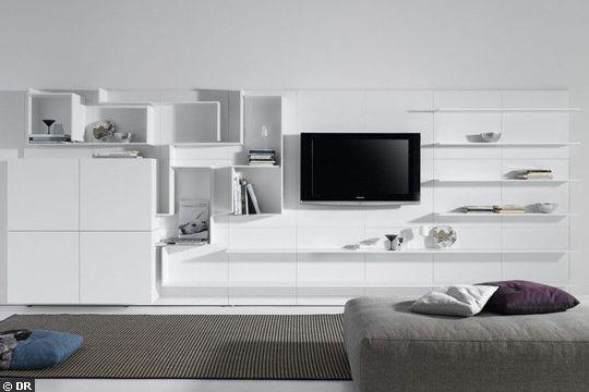 Graphique et modulaire, le mur de rangement télé - Meuble télé : quand la télé se fait belle - CôtéMaison.fr