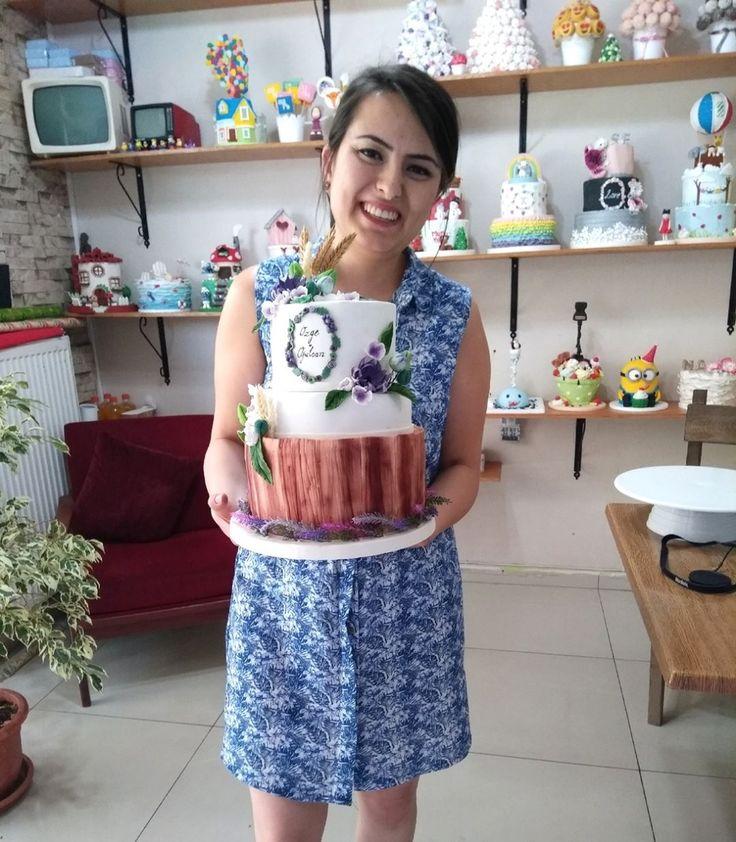 """240 Beğenme, 5 Yorum - Instagram'da Butik Pasta / Kurabiye🍪🍰 (@gizemintatlidunyasi): """"Çok sevdiğim pastalara karşı duruşum: vermek istemiyorum ya kesiyosunuz hep😒  Bi de bu sefer…"""""""