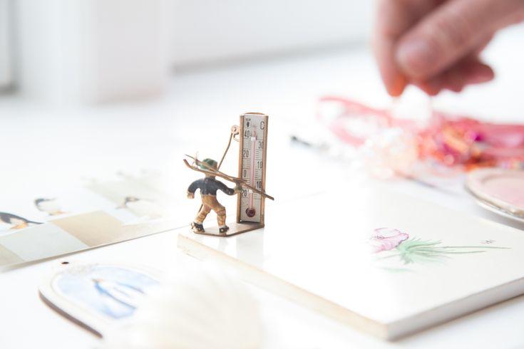 I Marie-Louise Kristensens værksted er der små tableauer og samlinger af objekter, som kan inspirere. Foto: Kirstine Autzen