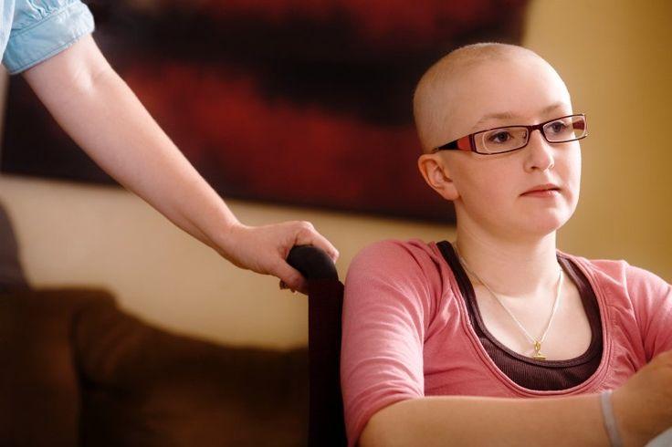 Die Diagnose Krebs ist immer niederschmetternd. Doch wie trifft sie junge Erwachsene, die gerade in Studium oder Beruf durchstarten oder eine Familie gegründet haben? Eine Stiftung will diese Patientengruppe jetzt stärker unterstützen.