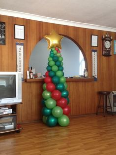 CHRISTMAS BALLOON topiary - Buscar con Google