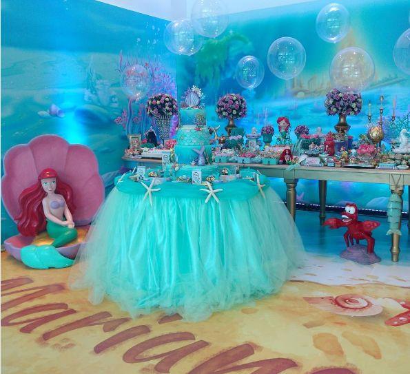 La Sirenita Ariel Una de las princesas preferidas de Disney y que llena de fantasías a la pequeña de la casa con un hermoso cuento bajo e...