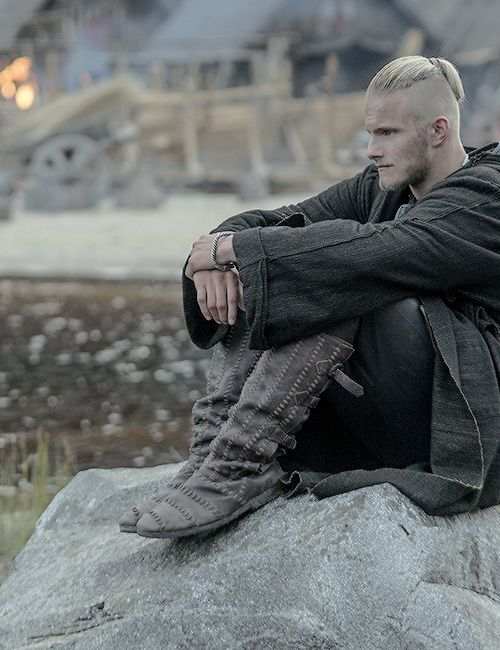 Björn (Alexander Ludwig). The bear will be crowned by a princess. ..............