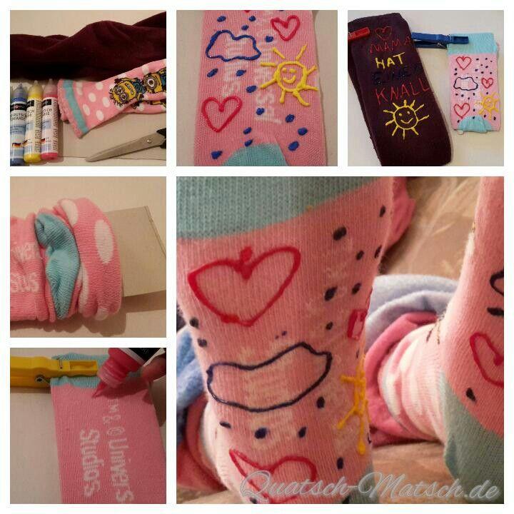 Selber Anti-Rutsch-Socken machen ist auch kinderleicht. Ihr braucht dafür entweder Sockenstopper Gel oder alternativ auch Latexmilch :-)