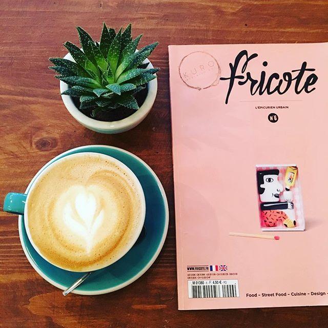 Joli moment chez @kuroespressobar avant la reprise et voir les monstres 👽 #cafe #coffee #coffeebar #coffeetime #coffeeaddict #latte #latteart #barista #coffeeart #coffeelover #coffeelovers #succulents #green #magazine #fricote #love #picoftheday #photooftheday #instalike #igers #igersfrance #bordeaux #bordeauxmaville #bdx #france