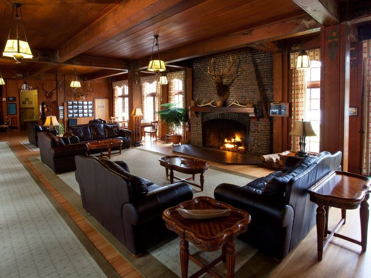 Readers' rating: 81.238Built in 1926, Lake Quinault Lodge provides visitors with a natural and rustic escape from city life (located about 3 hours from both Portland and Seattle in Olympic National Park). Choose from rooms with fireplaces or lake views, or stay in the annexed boathouse with a wraparound porch. Meals are served in the historic Roosevelt Dining Room.