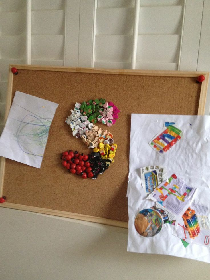 Never know what to do with toddlers/kids work of art. PEG it on their own craft board