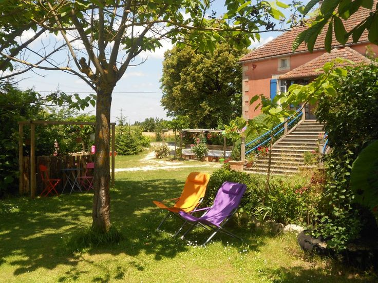 Les Escaliers de La Combe chambres d'hotes gite table d'hotes aire naturelle de camping vacances enfants Quercy Blanc Cahors Lot France