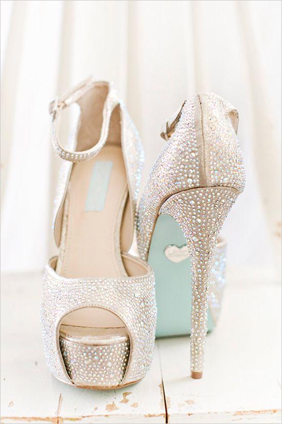 Sparkling light gold wedding heels @weddingchicks