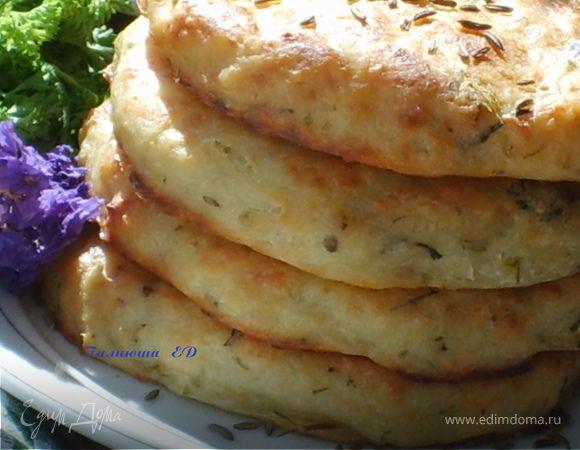 Лепешки картофельно-творожные с тмином и травами