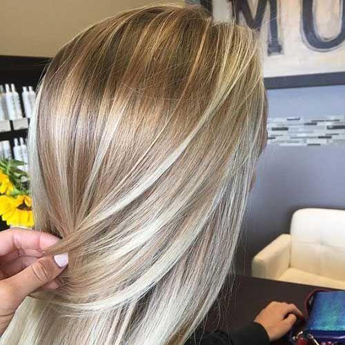 Ziemlich lange blonde Frisuren, die Sie sehen sollten