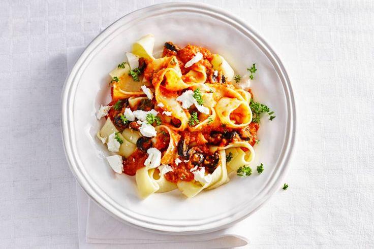 Pappardelle met groentesaus en geitenkaas - Recept - Allerhande