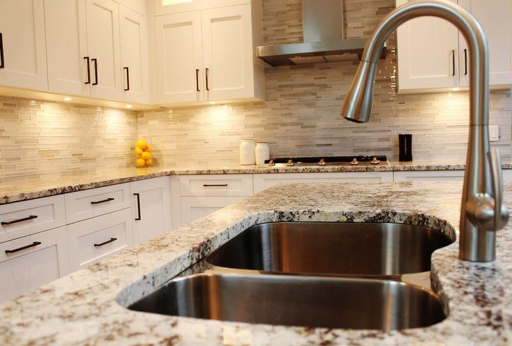 white cabinets with alaskan white granite | ... Your Elegant Kitchen with Alaska White Granite - HomeStyleDiary.com