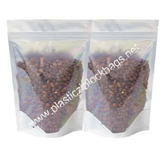the zip lock plastic bags are used to pack the items for snacks and sandwiches. Unlike the ordinary plastic bags wholesale, these clear plastic bags are not bulky, so don't take so much space inside the bag.