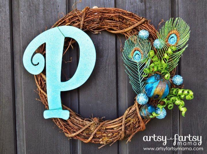 Peacock+Wreath.jpg 720×535 pixels