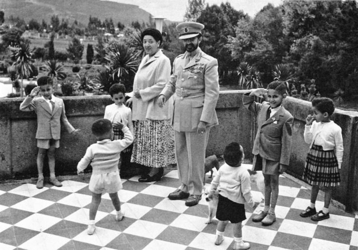 haile selassie pictures | Ethiopian Emperor Haile Selassiewith his wife and grandchildren - 1954