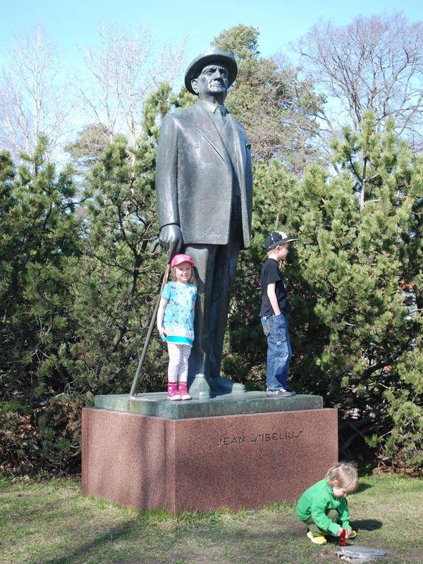Bronze statue of Jean Sibelius - Pronssinen Sibelius patsas (Erkki Eronen 1964) Järvenpään Kulttuuripuisto -  patsaanmetsastaja.blogspot.fi