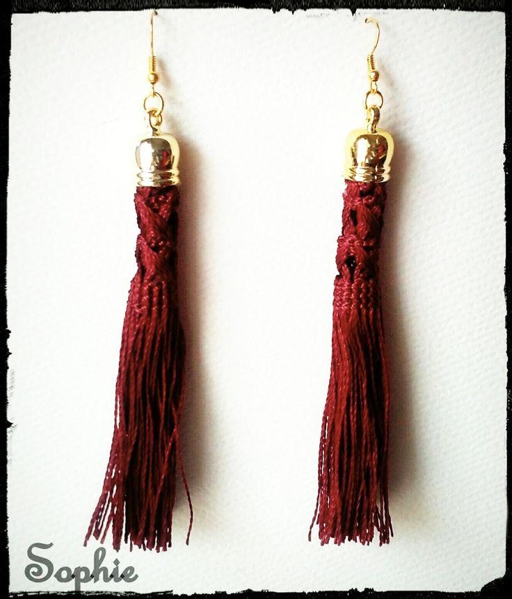 #earrings #burgundy #tassels #handmadegreece χειροπ. σκουλαρίκια μακριά μπορντώ φουντίτσες https://www.facebook.com/SophiesworldHandmade/