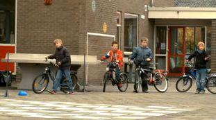 Spel Geluiden in het verkeer - Thema: Verkeersgeluiden - Groep 1 - Groep 2…