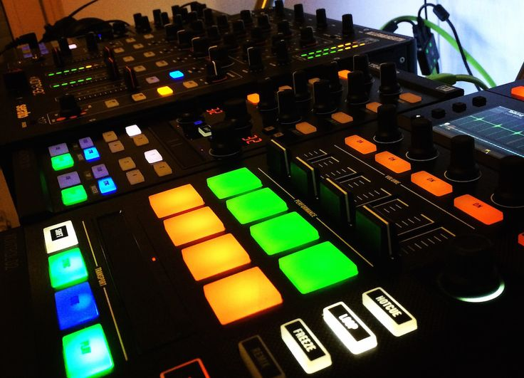 Native Instruments announced (with a lot of noise) last year 'The Future of DJing'. Of course, such a statement was met with high expectations. When they finally presented the S8, a large majority ...