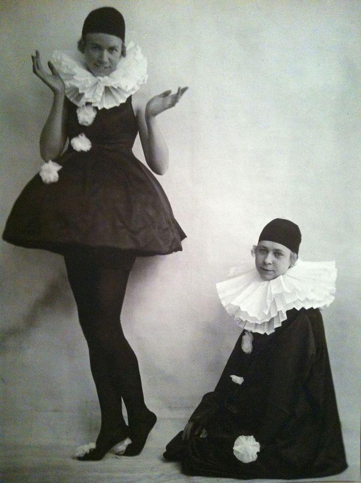 siri derkert - harlequin costume