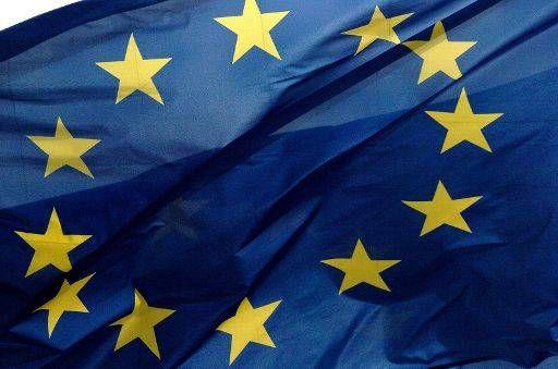 ЕС на 6 месяцев продлит действие «черного списка» для РФ и Украины http://actualnews.org/exclusive/197121-es-na-6-mesyacev-prodlit-deystvie-chernogo-spiska-dlya-rf-i-ukrainy.html  ЕС готов продлить функционирование «черного списка» для Украины и РФ не период в 6 месяцев. В нем указаны 153 россиянина, а также ДНР и ЛНР, провозглашенных новыми административными единицами на юго-востоке соседней страны.