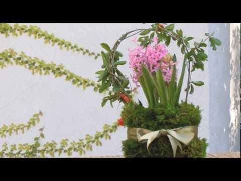 Mother's Day Flower Basket || KIN DIY My daughter used to do this as a child. Lovely.