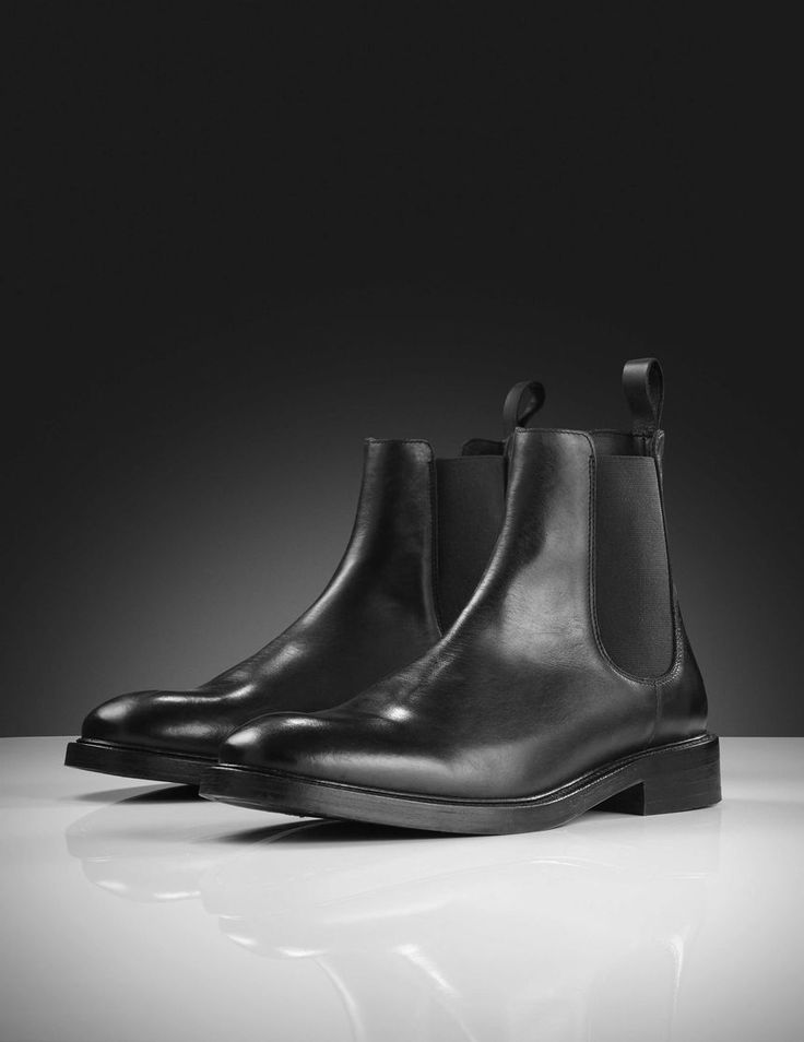 Harald boots-Men's classic Chelsea boot in calf leather with calf lining. Features elastic inserts at sides and leather puller tab at heel. Full interior leather. Heavy rubber outsole with blake sole.