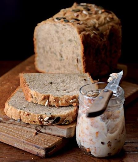 Beer bread with homemade cracklings