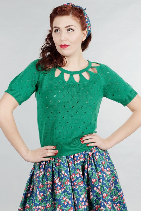 the blow me a kiss knit top. Green