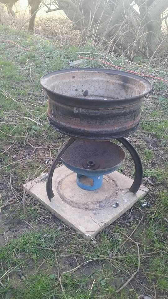 Ash pan from gas bottle optional