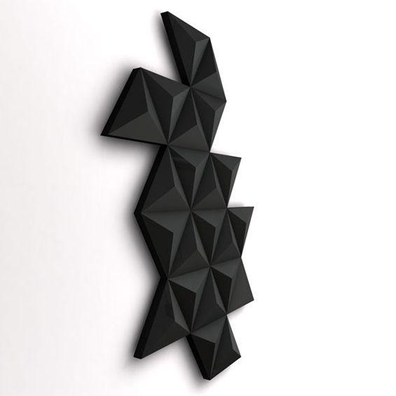 """""""Black Diamond"""", un radiateur mural aux lignes contemporaines et sculpturales."""