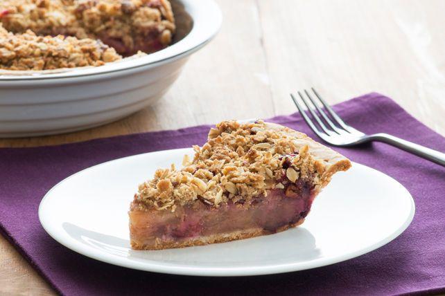 Il ne suffira que d'une bouchée de cette tarte aux fruits garnie de streusel pour vous rendre complètement fanatique!