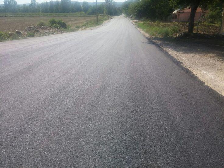Andırın İlçesi Yeşilova Kesim Mahallesi'nde asfalt serim çal - Maraş Olay   Kahramanmaraş Haber Merkezi