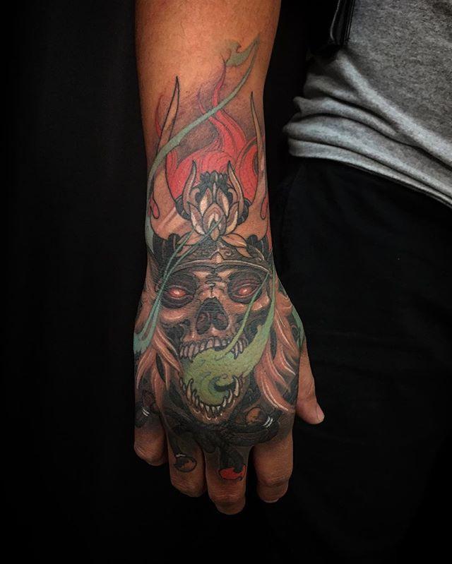 Skull samurai hand @chronicink #wearproud #workproud
