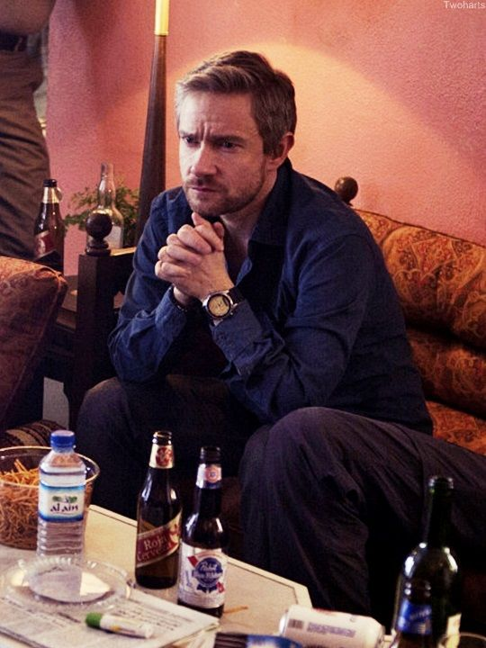 Cheap date with Martin Freeman: pretzels and industrial beer. (That's ok! I like beer and pretzels too.)