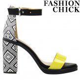 Sacha x Fashionchick // Aztec sandals € 79,95