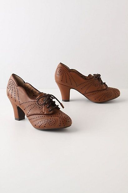Vintage style shoes by Gmomma