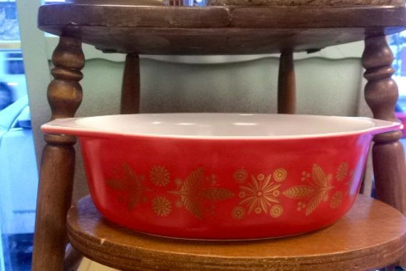 1950's Pyrex Christmas casserole  by toni4ball on Etsy, $46.00