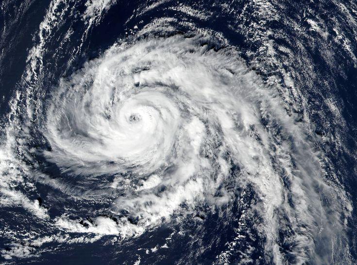 ما هو تفسير الإعصار في المنام لابن سيرين موسوعة Hurricane Storm Bad Storms