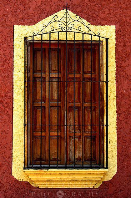 17 mejores im genes sobre ventanas coloniales en pinterest for Puertas coloniales antiguas