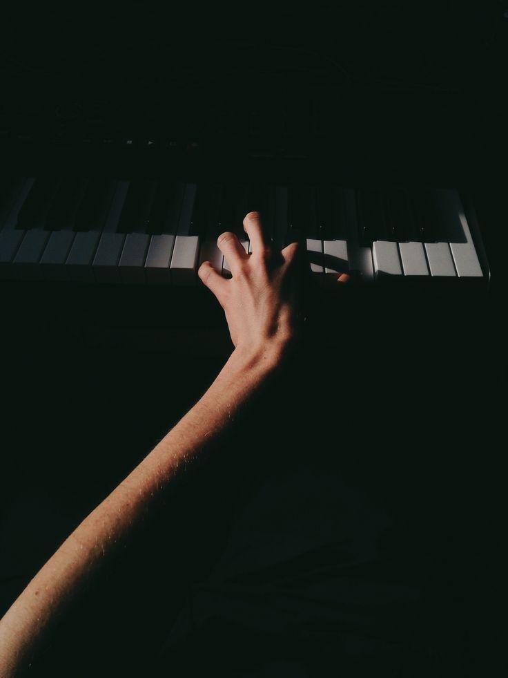 Music #piano #keyboard #midi #light #shadow #music