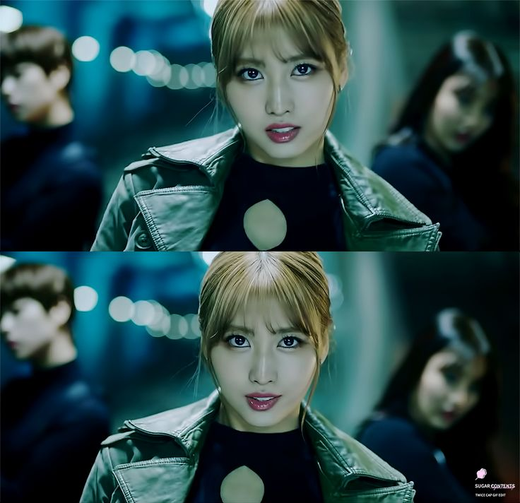 ahh all of twice looked so pretty in the cheer up mv but I love how badass momo was!