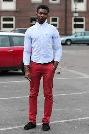 Resultado de imagen para red trousers for men