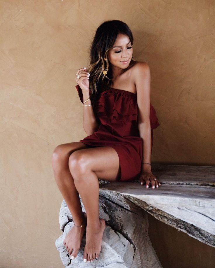 3,915 vind-ik-leuks, 22 reacties - Shop Sincerely Jules (@shop_sincerelyjules) op Instagram: 'Lady @sincerelyjules in red.  | Everly dress: shopsincerelyjules.com #sincerelyjuleswear'