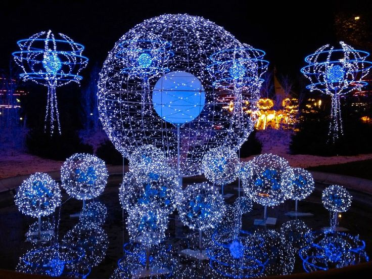 84 best commercial holiday decor images on pinterest merry holiday lights in paris audiocablefo