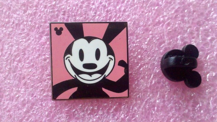 pin broche disney DLR - 2014 Mickey caché Série - Oswald les expressions de lapin chanceux - Happy