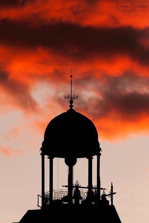 Rasgando el cielo (Puerta del Sol, Madrid)