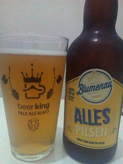 Uma cerveja de um tipo muito comum, mas que é muito bem produzida, sabores que são bem melhores pra saborear do que as mais populares, até diria que é uma Pilsen Premium, mas que na verdade é só uma cerveja feia do jeito certo pra beber e gostar.  #Blumenau #Alles #Pilsen #bebida #cerveja #álcool #alcoólica #água #malte #lúpulo #levedura #retrô #amarelo #dourado #Brasil #brasileira #BeerKing #BeerKingStore #XinGourmet #LocalGuides #GuiasLocais